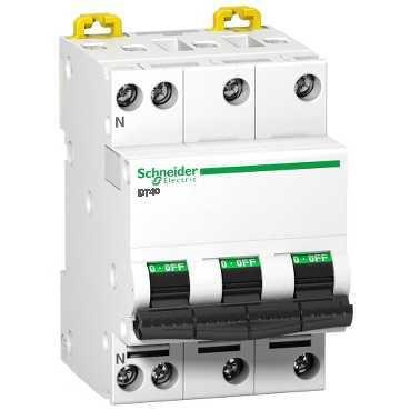 Disjoncteur DT40N 3P+N 20 ampères A9N21417